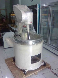 mixer roti skala besar