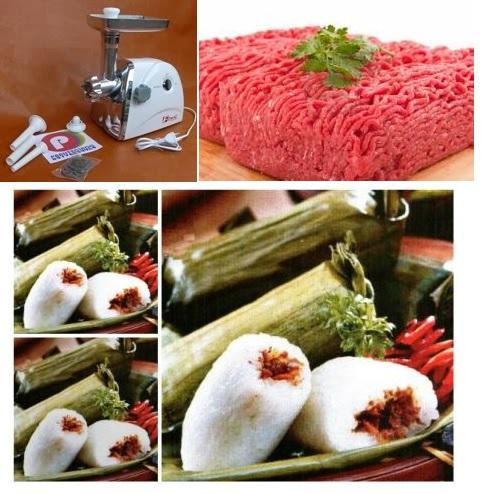 menggiling daging buat lemper daging