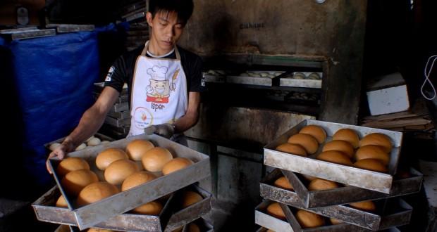 usaha roti rumahan